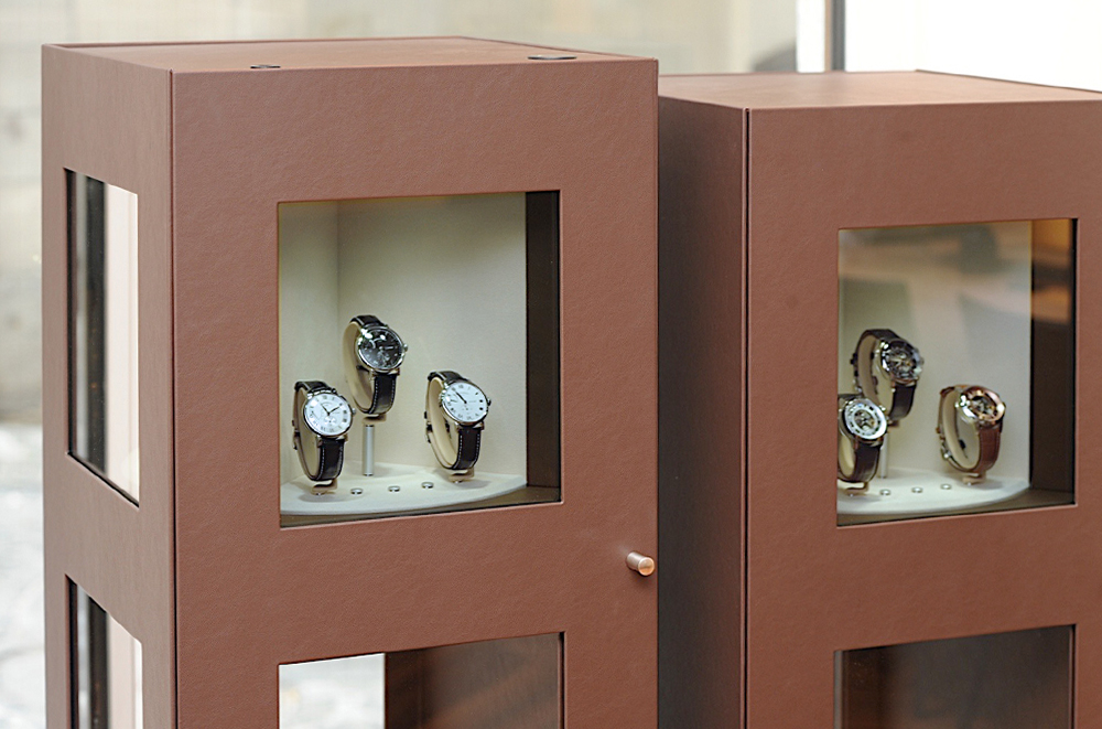 L'Heure Asch in Geneva will turn heads with Carousel display cabinets.