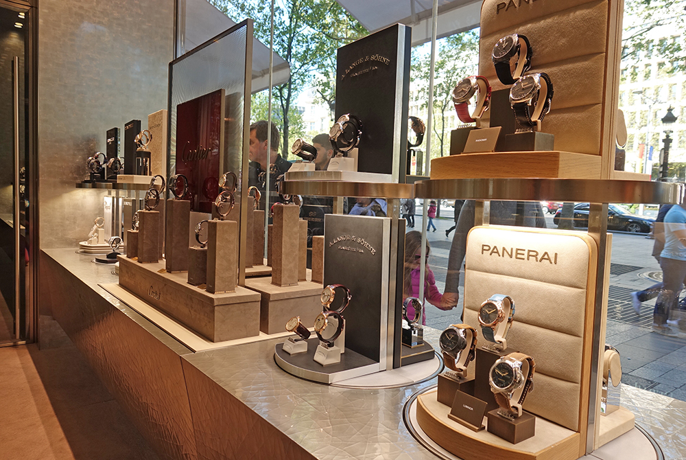 Dubail on the Champs-Elysées will turn heads with Carousel display cabinets.