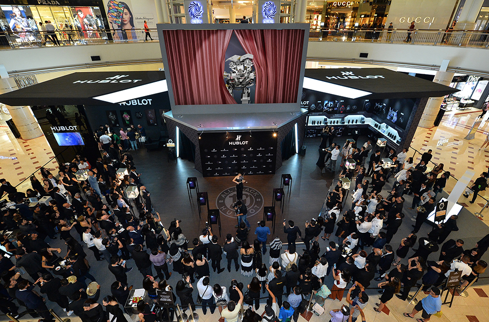 It's SHOWTIME! Hip Hop Hooray! Several raptor display cases working as one for Hublot and The Hour Glass in Kuala Lumpur.