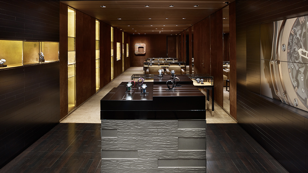 The Hublot boutique Ginza, Tokyo opened in 2011 in collaboration with Peter Marino.