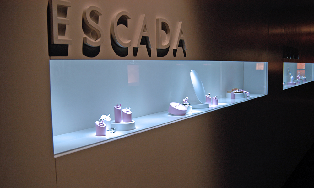 #escada #baselworld #niche #lighting #led #display #showcase #ledspot #focus #eclairageproduit #vitrine #boutique