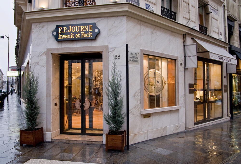 The Faubourg St-Honoré is home to one of Journe's most attractive boutiques.
