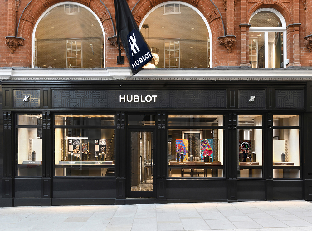 The Hublot boutique in New Bond Street welcomes an iFusion table.
