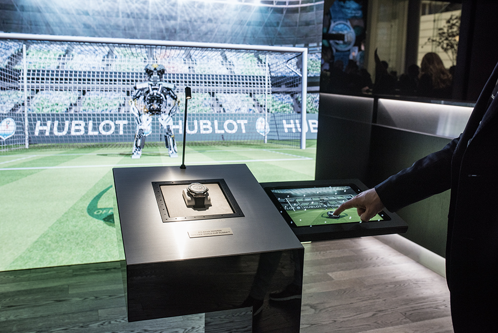 Hublot FIFA World Cup display: in goal, does the Hublot robot already know where you will shoot or not?