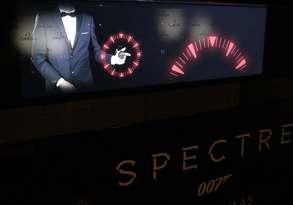 Do you dream of throwing James Bond's watch before it explodes? The espace horologer de la Vallée de Jouxoffers you that very experience.