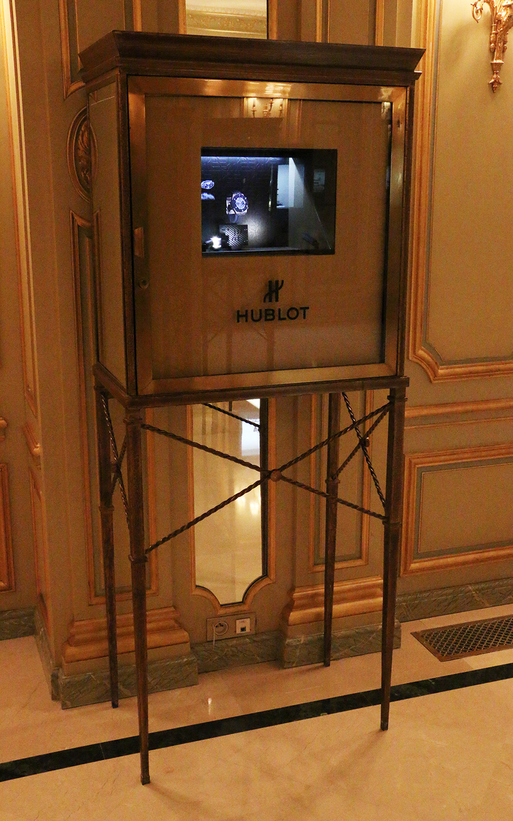 The Hublot models in 3D at Le Meurice in Paris.