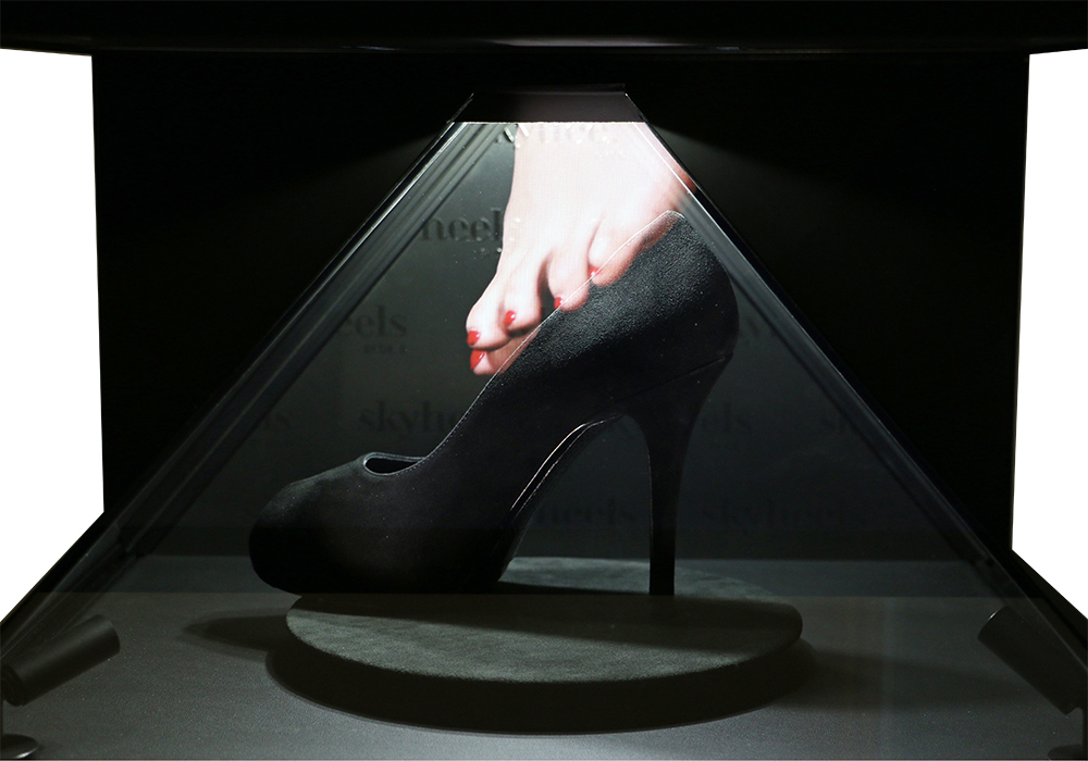 Skyheels finds its glass slipper with holographic display.