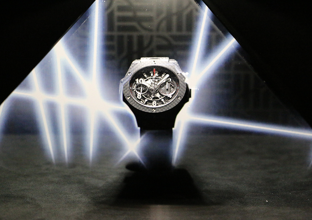 The first Hublot boutique in Palm Beach, Florida opened in 2011 with a Raptor Park.