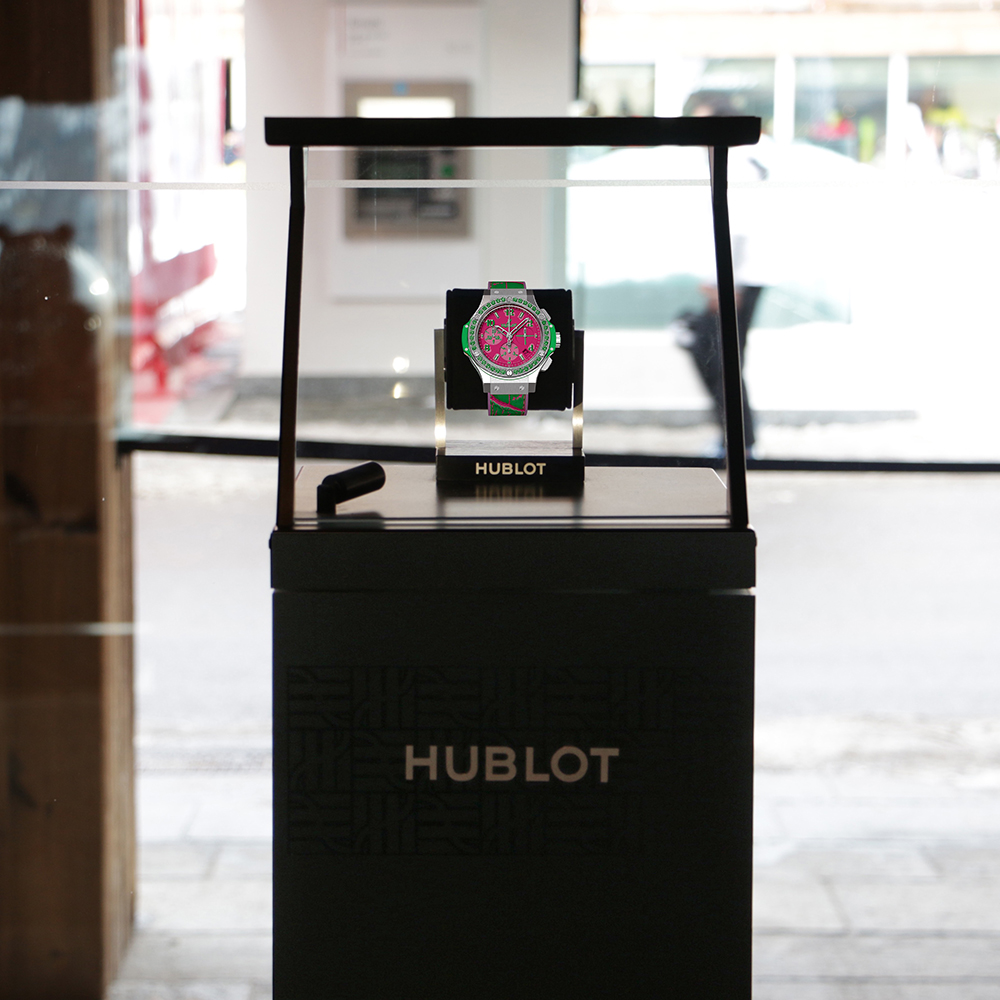 #whotel #whotelverbier #michaud #hologram #holographic #holographicdisplay #hologramme #vitrineholographique #hublot