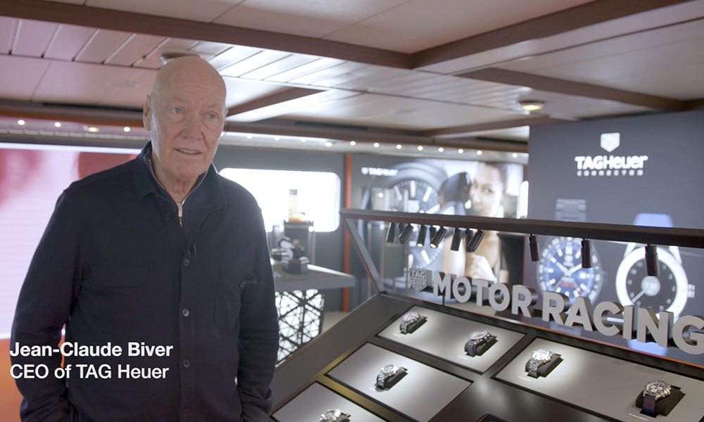 Jean-Claude Biver presents iTAG, the new Tag Heuer display.