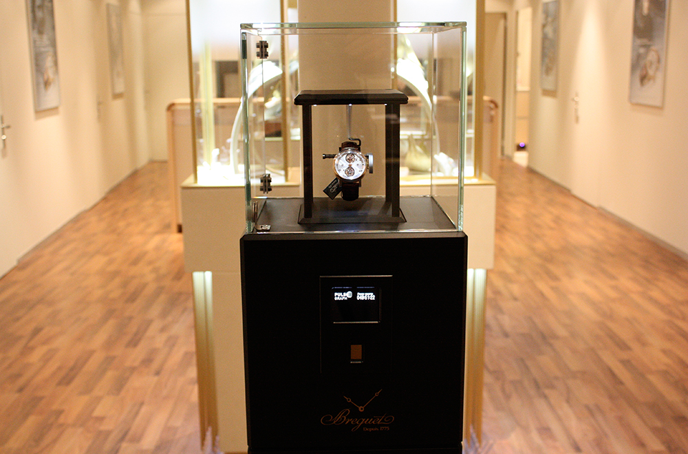 The Breguet Pulsograph: The 21st Century pendulum at La Cité du Temps, Geneva.