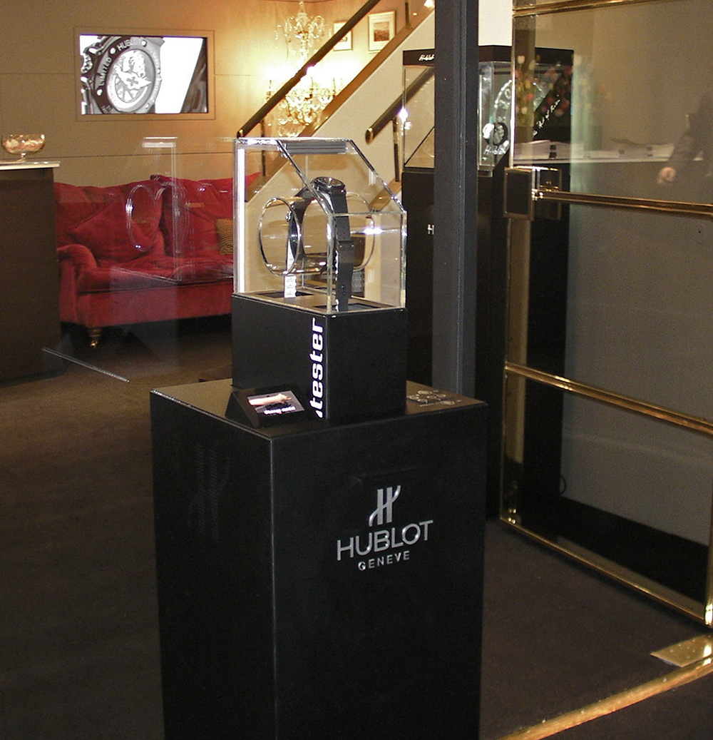 Hublot presents its new WATCHTESTER display case enabling customers to test watches on their wrist, how it works?