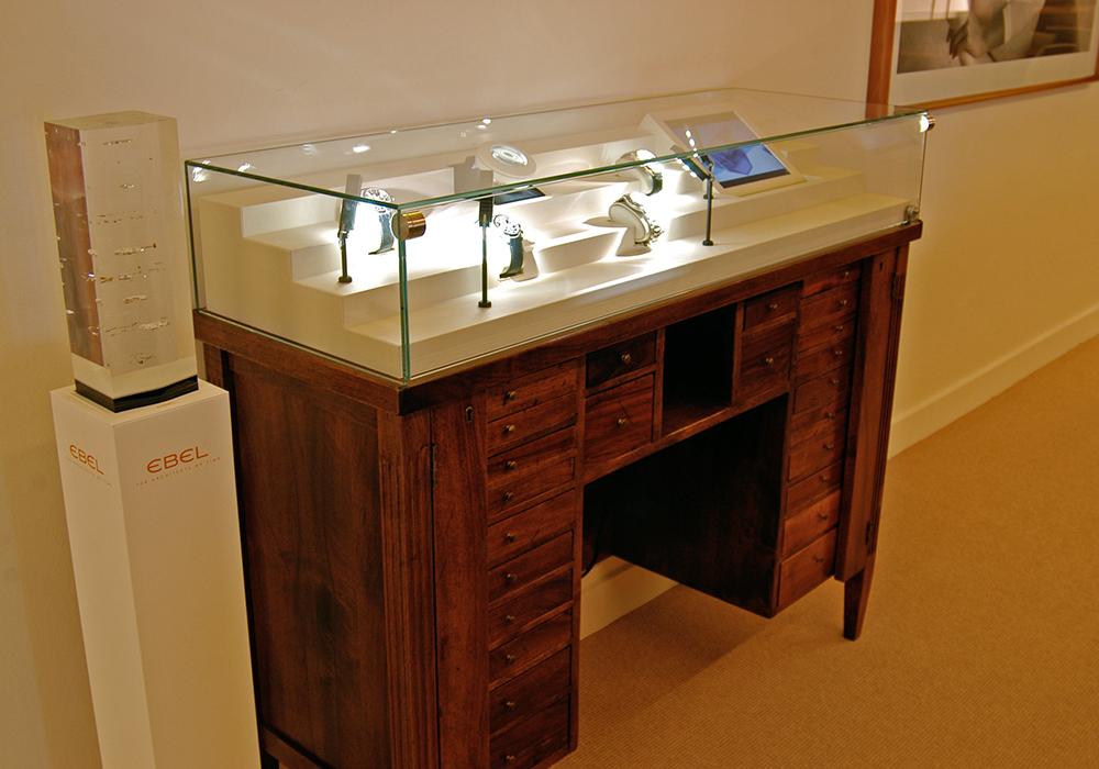 Display cases for sale or for hire - Dietlin