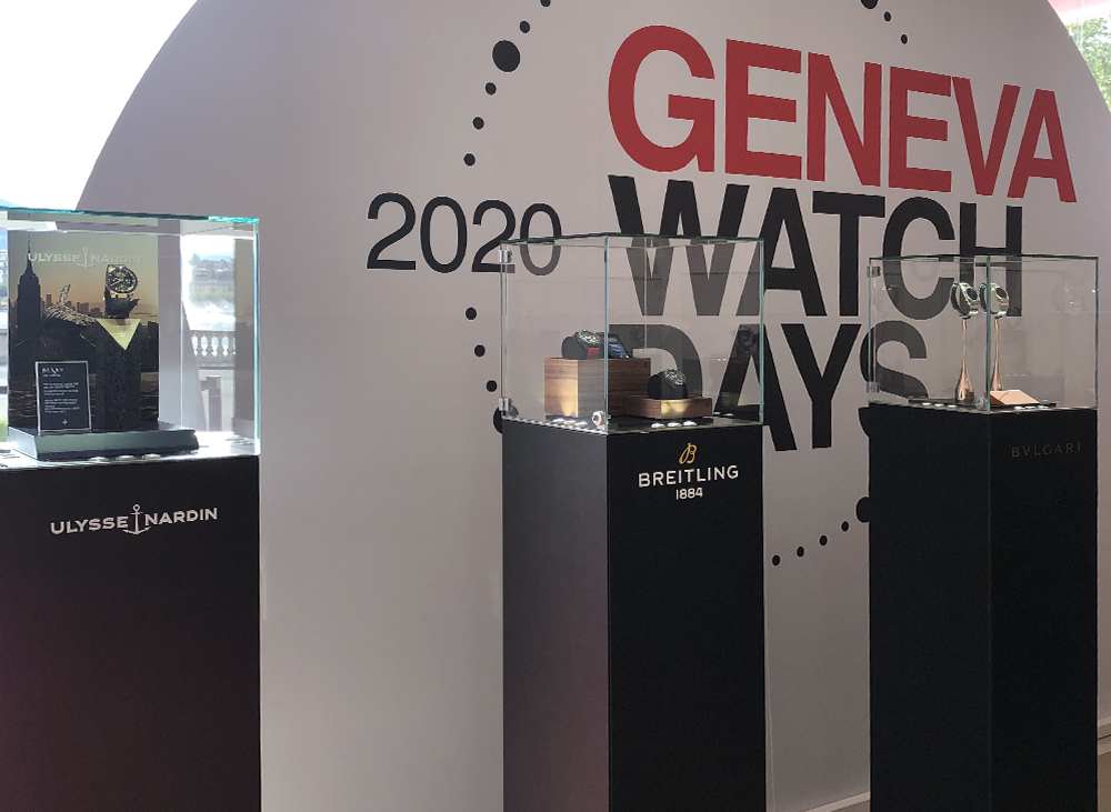 The Geneva Watch Days event employed the monolithic showcases with 360° phantom lighting.