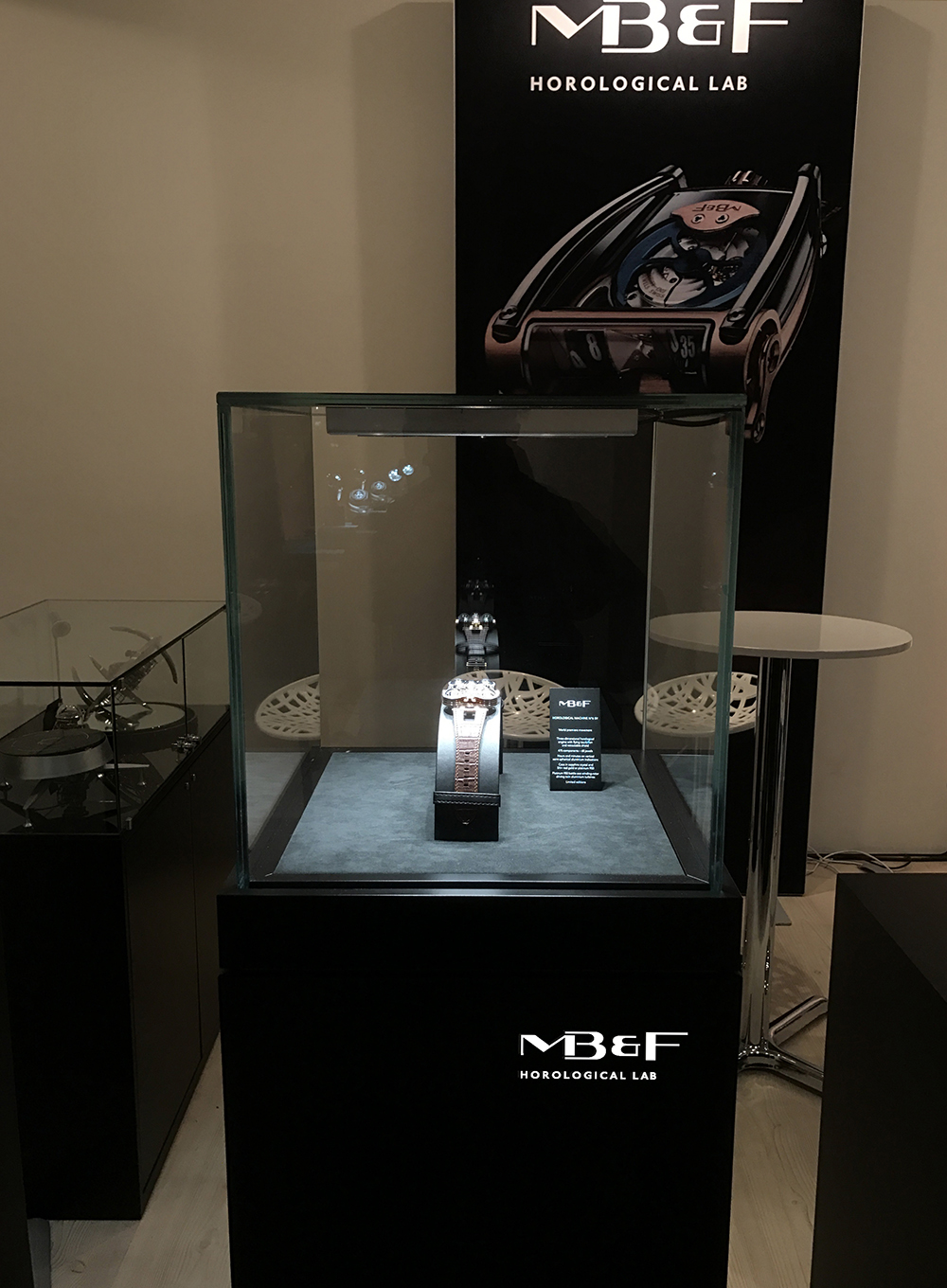 Hybrid black display case