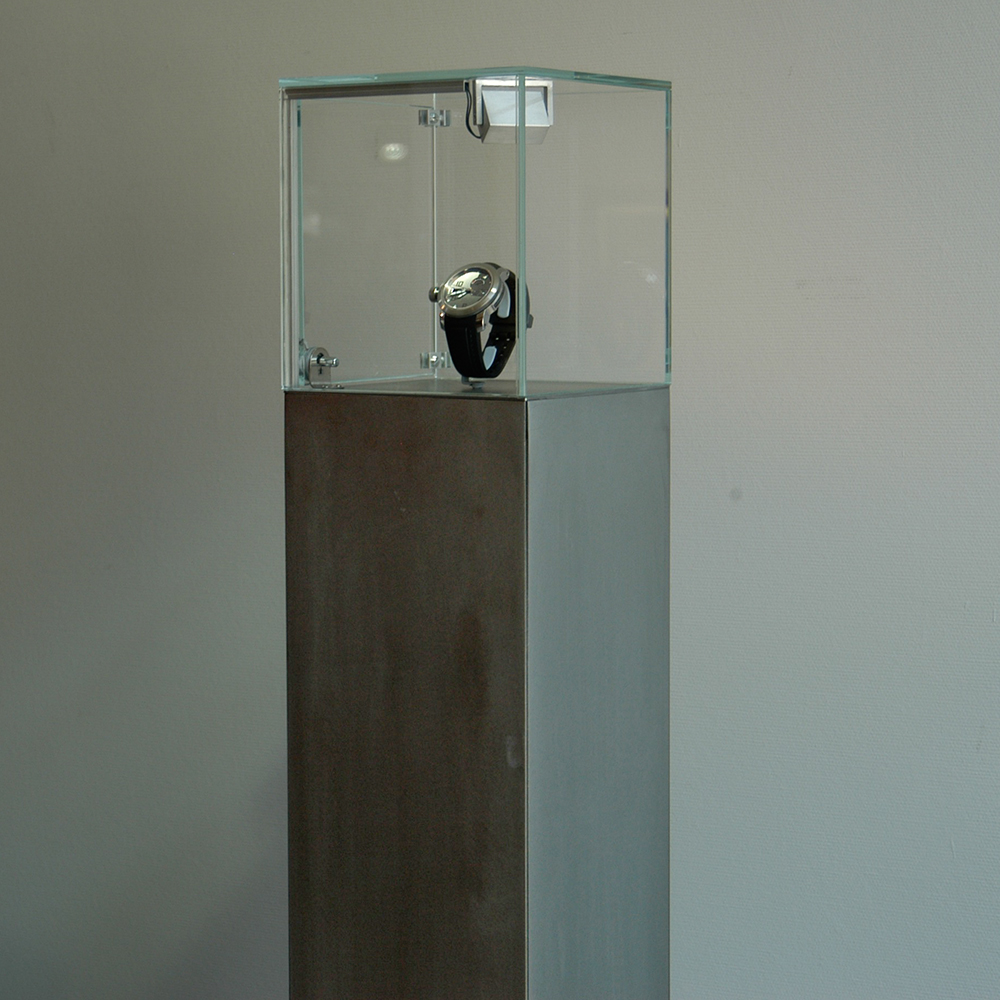 Mini monolith display case