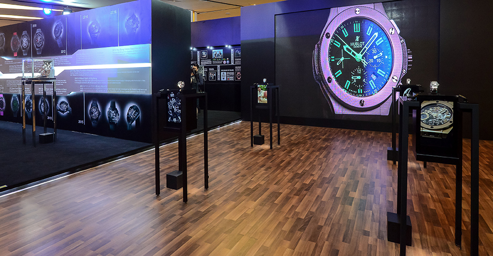 Hublot and PMT The Hour Glass for All Black exhibition with 4 raptor display cases working as one (showtime) in Bangkok.