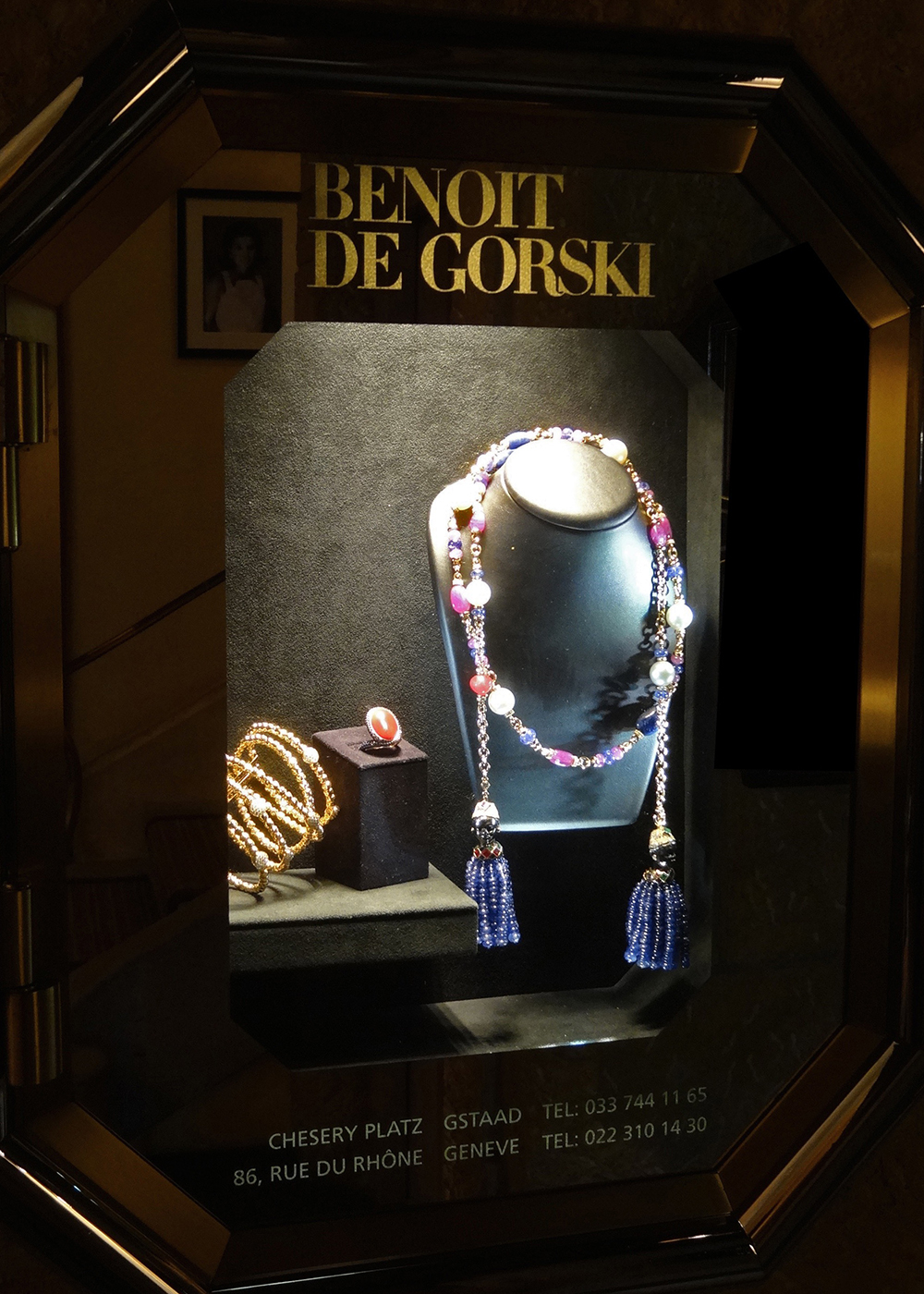 #degorski #benoitdegorski #gstaad #gstaadpalace #lighting #led #display #showcase #ledspot #focus #eclairageproduit #vitrine #boutique